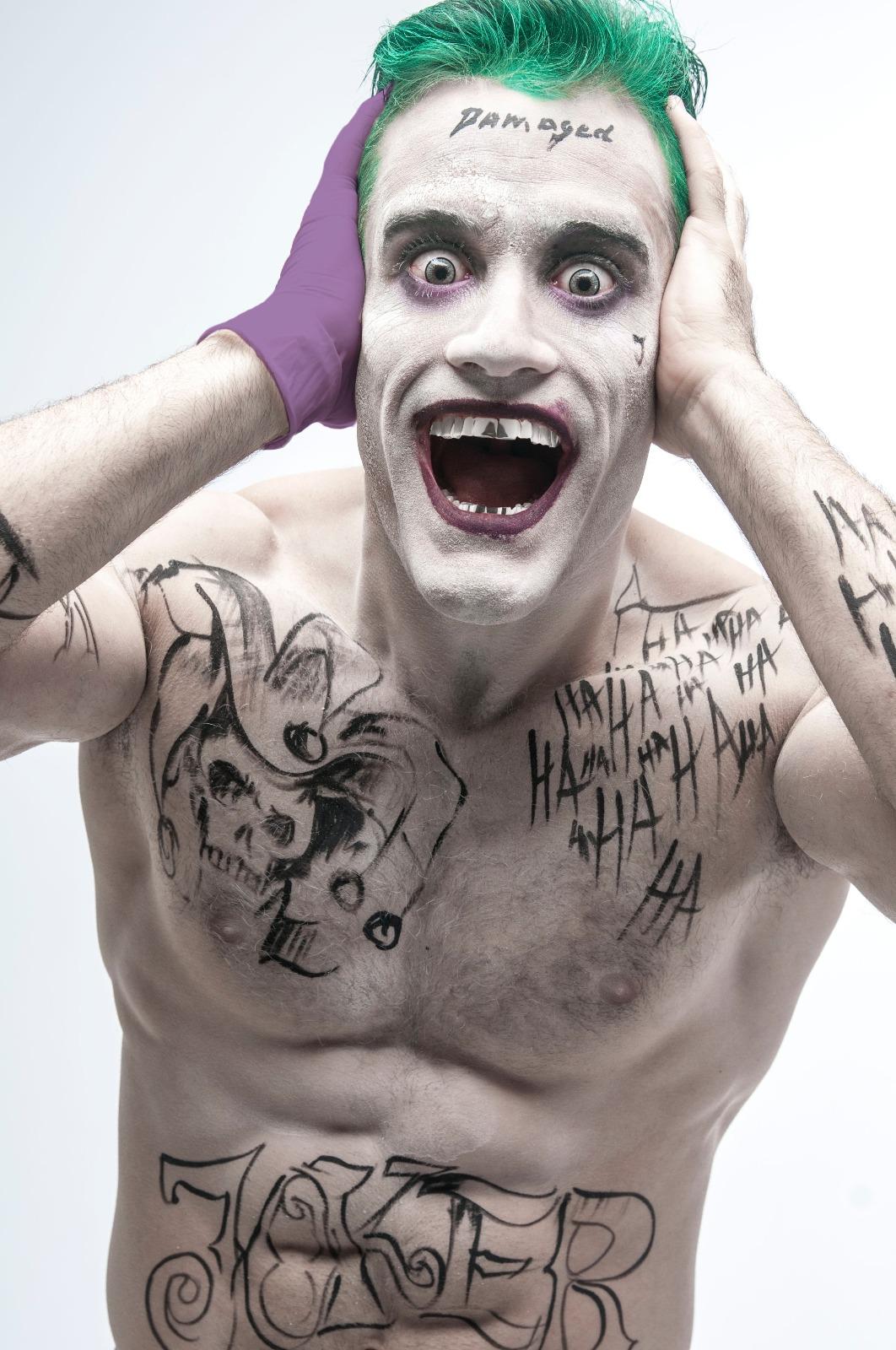Ven Al Salon De Tatuajes Del Escuadron Suicida Ecc Comics