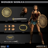 Mezco (One:12 collective) - WONDER WOMAN Movie